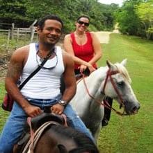 horseback-riding-pacztours